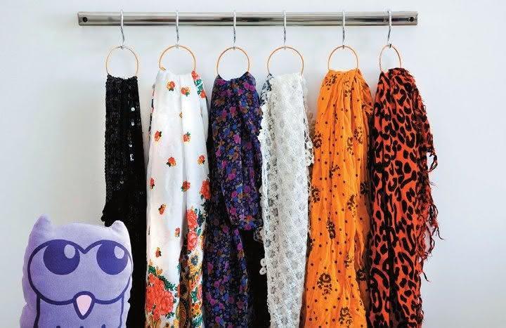 Hooks to organize scarves