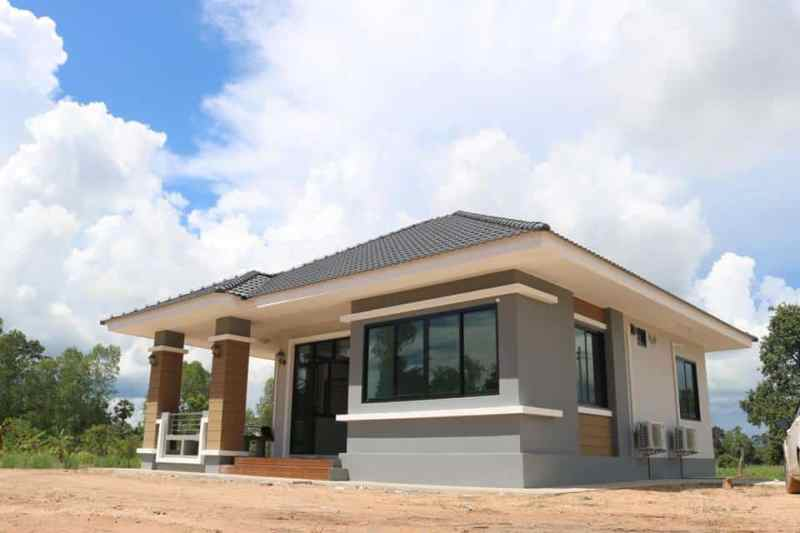Simple House Design With 3 Bedrooms House And Decors